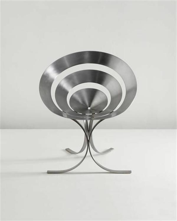 stilvoller-und-eleganter-designer-Stuhl-für-die-Wohnung-