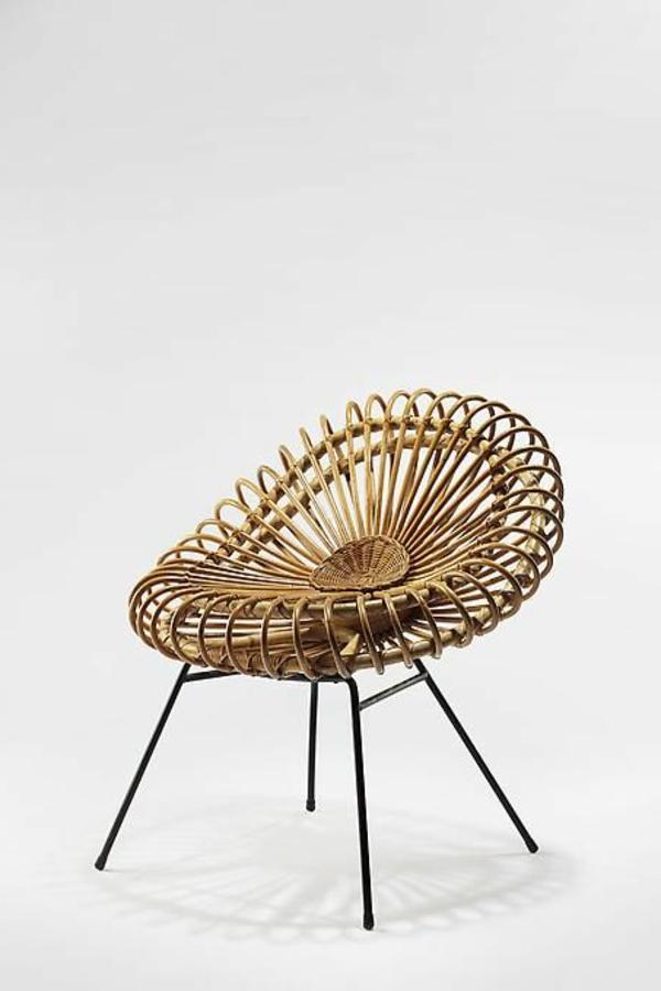 stilvoller-und-eleganter-designer-Stuhl-für-die-Wohnung
