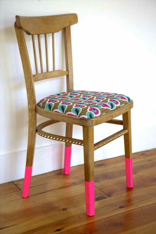 stuhl-mit-kreativem-design-rosa