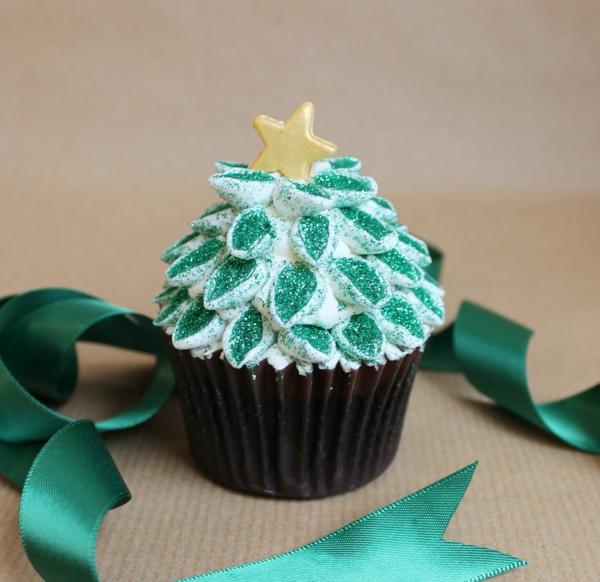 super-leckere-Cupcakes-für-Weihnachten-Weihnachtsbaum
