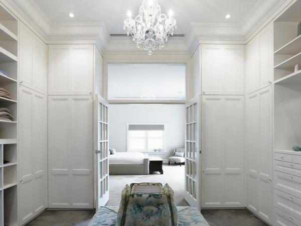 -moderner-begehbarer-Schrank-super-luxuriöse-Kleiderschränke-begehbar-in-Weiß