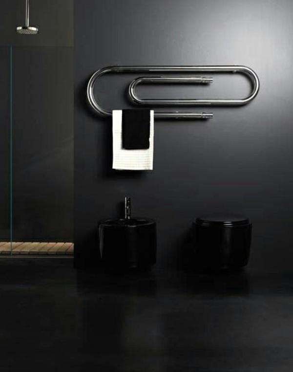 super-modernes-Badezimmer-mit-Heizkörper-und-Handtuchhalter-in-schöner-Form