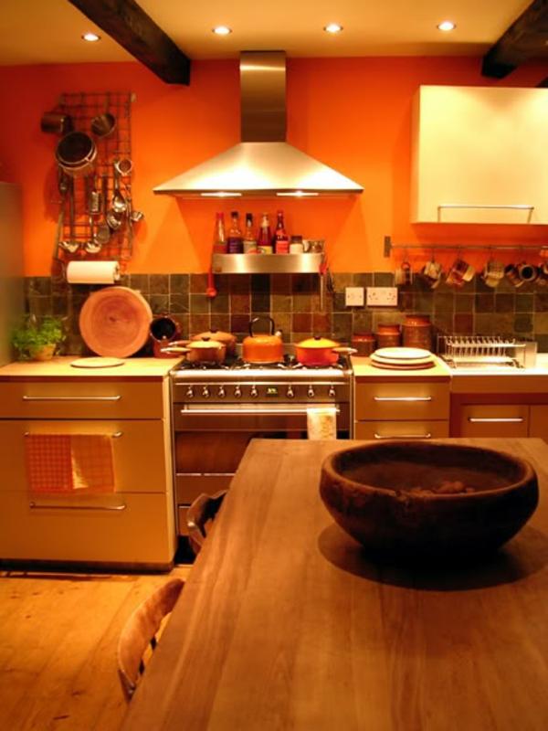 super-schöne-orange-küchen-wandfarbe