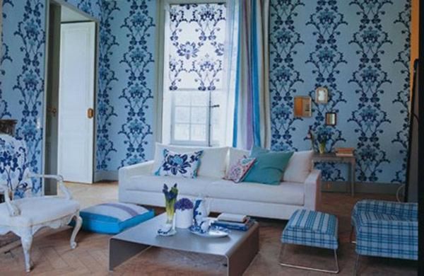 Wohnzimmer Farben Und Tapeten : gem?tliches wohnzimmer mit wei?en sofas und blauen w?nden