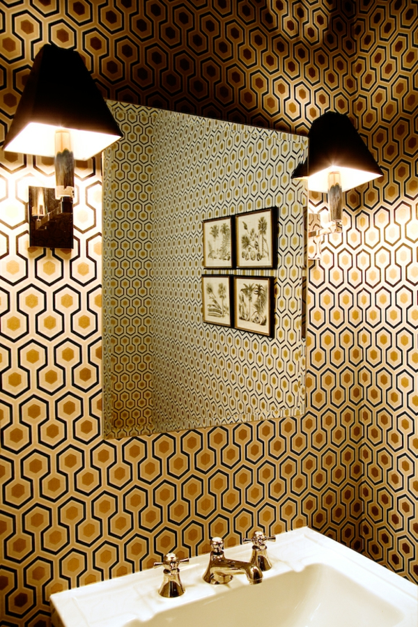 tapeten-farben-ideen-braune-wand-im-badezimmer