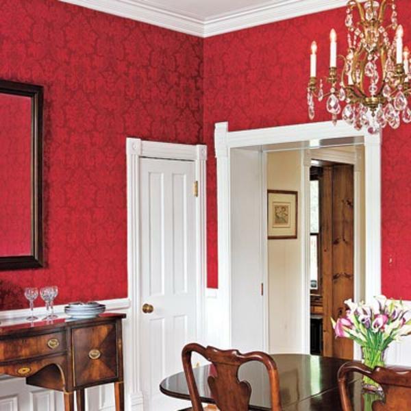 tapeten-farben-ideen-elegantes-esszimmer-mit-roten-wänden