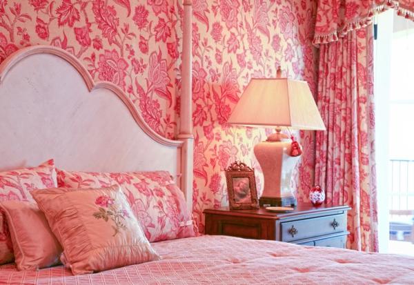 tapeten-farben-ideen-gemütliches-rosiges-schlafzimmer