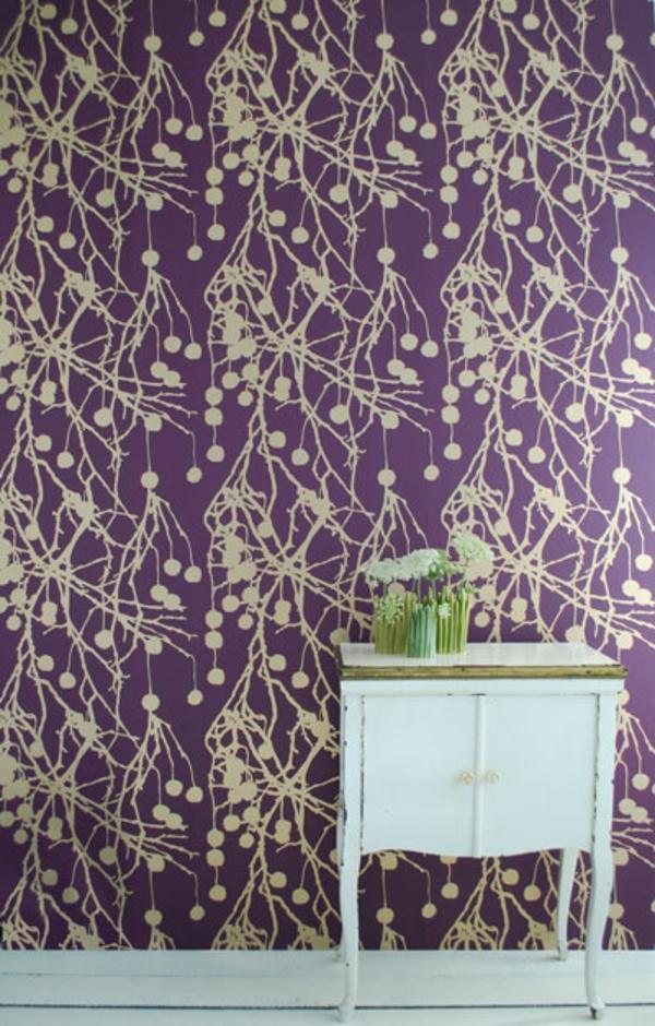 tapeten-farben-ideen-interessante-wandgestaltung-lila-farbe