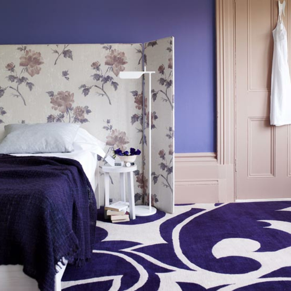 Schlafzimmer Tapeten Farben : tapeten-farben-ideen-interessante-zimmer-ausstattung-in-lila