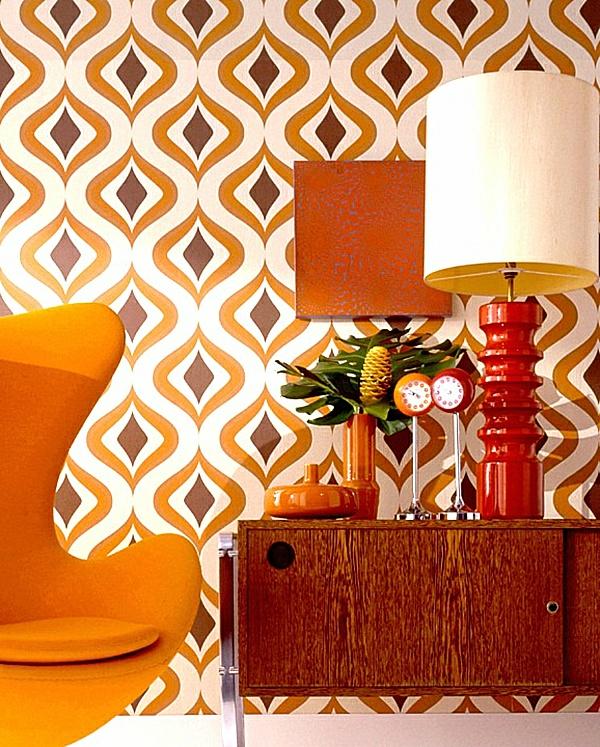 tapeten-farben-ideen-orange-sessel-und-wand