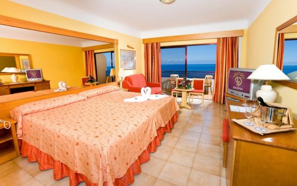 tapeten-farben-ideen-oranges-schlafzimmer