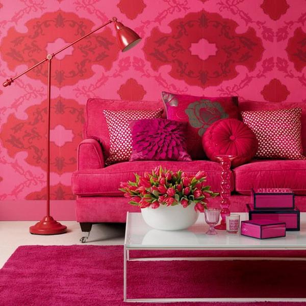 tapeten-farben-ideen-schöne-wand-in-zyklamenfarbe