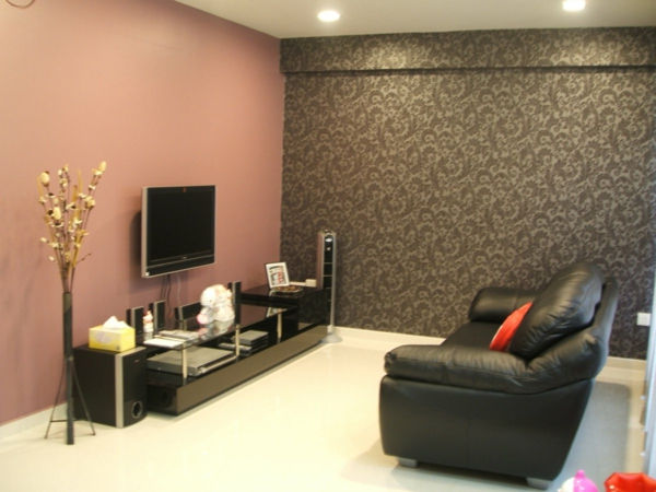 tapeten-farben-ideen-schönes-wohnzimmer-mit-einer-braunen-wand