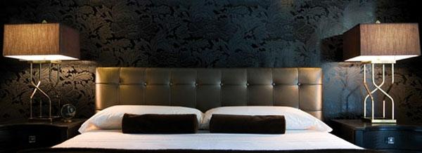 tapeten-farben-ideen-ultramodernes-schwarzes-schlafzimmer