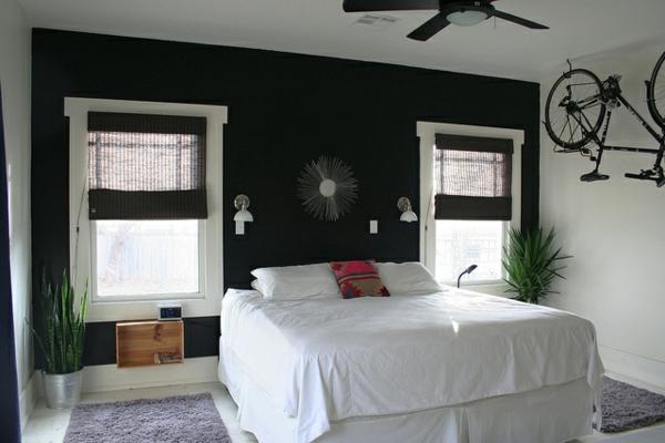 tapeten-farben-ideen-weißes-bett-und-schwarze-wand
