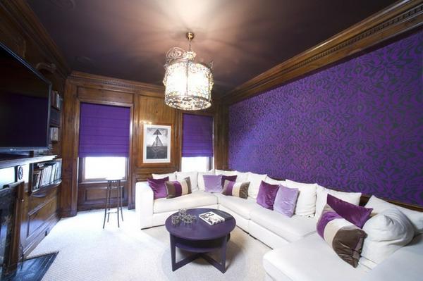 tapeten-farben-ideen-wohnzimmer-in-lila-und-weiß-ausstatten