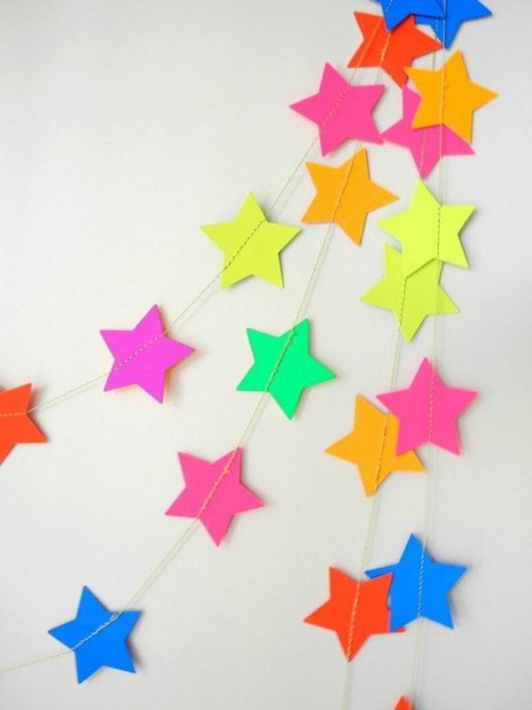 tolle-Dekoration-aus-Papiermit-frischen-neon-Farben Neon Farbe