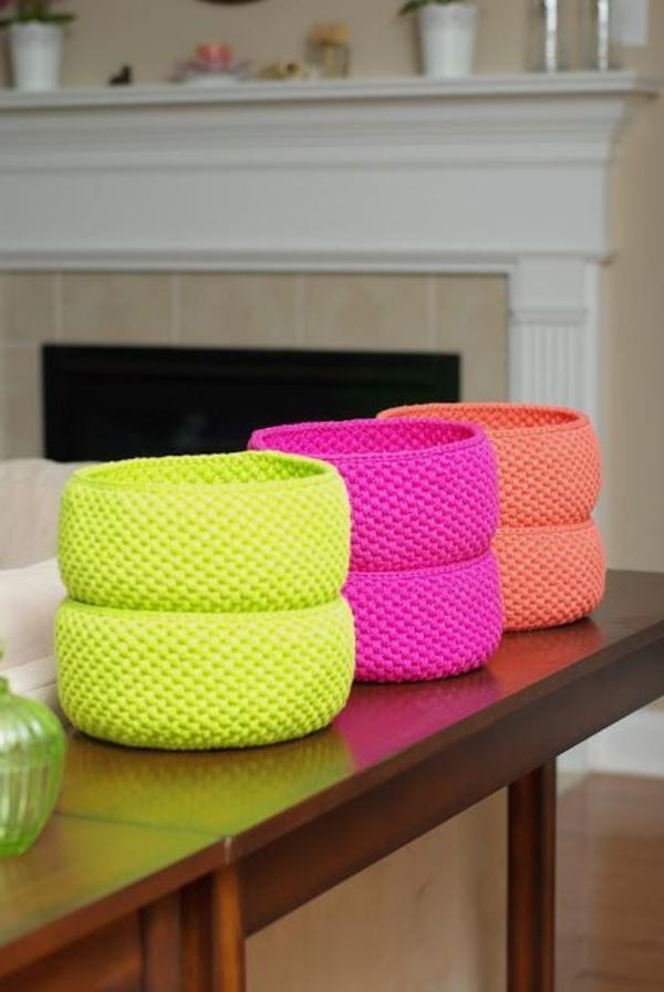 tolle-Dekoration-mit-frischen-neon-Farben--