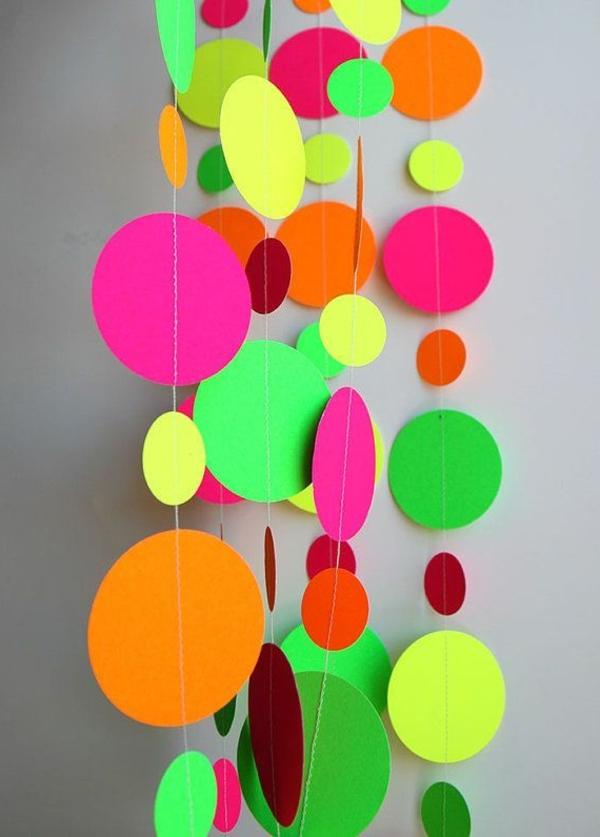 tolle-Dekoration-mit-frischen-neon-Farben Neon Farbe