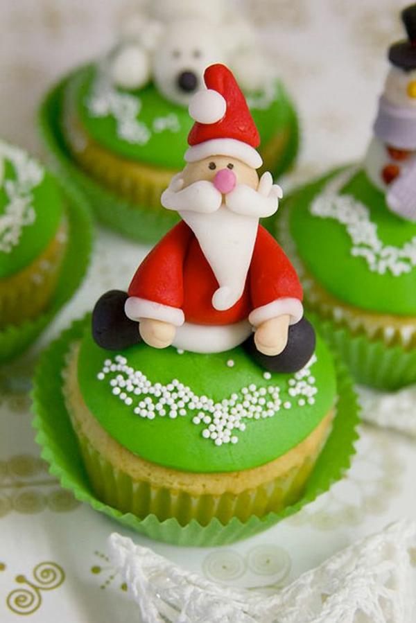 tolle-Ideen-für-Weihnachtscupcakes-mit-Weihnachtsmann