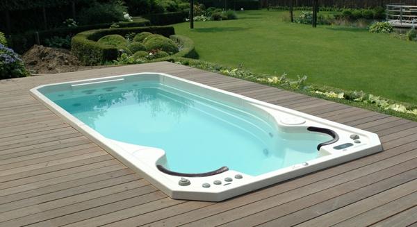 tolle--Ideen-für-die-Gestaltung-eines-perfekten-Gartens-mit- - Jacuzzi-Whirlpool