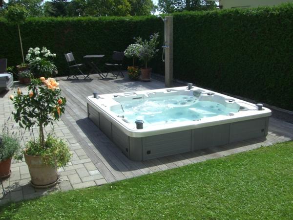 tolle-Ideen-für-die-Gestaltung-eines-perfekten-Gartens-mit- - Jacuzzi-Design