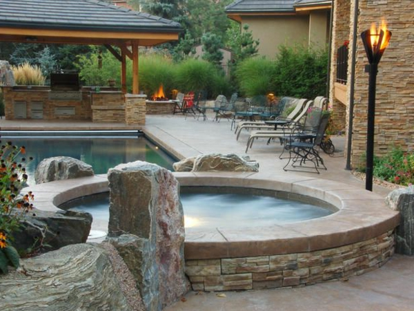 Whirlpool im garten 100 fantastische modelle for Gartenideen pool