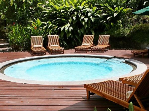 -tolle-Ideen-für-die-Gestaltung-eines-perfekten-Gartens-mit-einem-Whirlpool