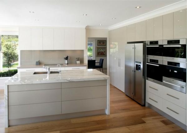 tolle-Ideen-für-eine-praktische-Kücheneinrichtung