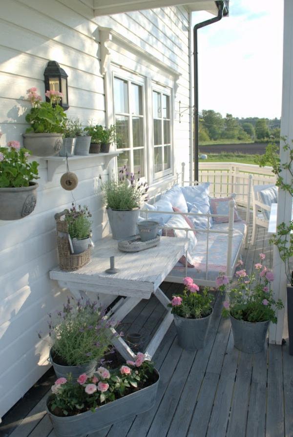 traditionelle-Terrasse-aus-Holz