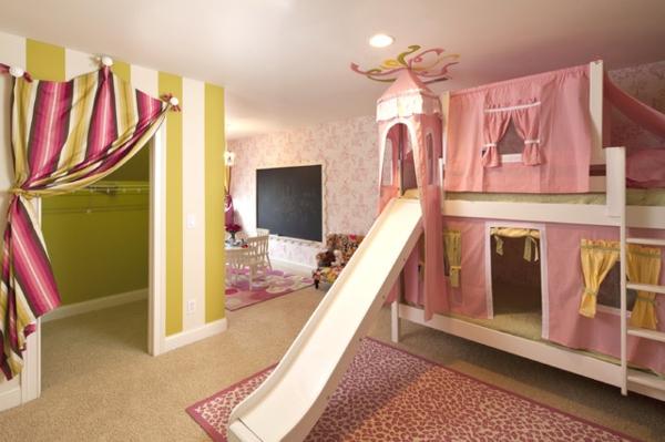 traditionelles-kinderzimmer-mit-hochbett-und-rutsche