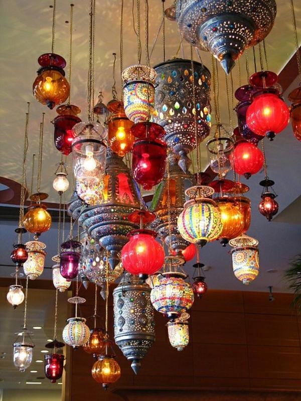 viele-interessante-marokkanische-lampen