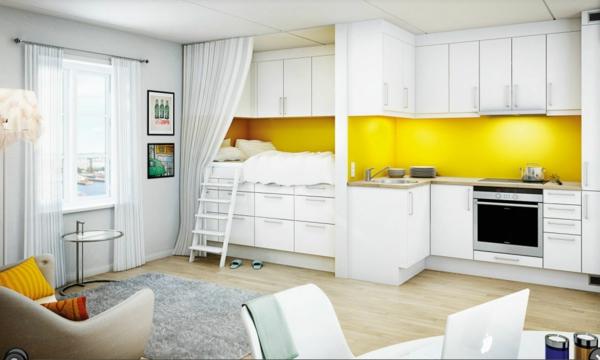 weiße-möbel-und-gelbe-küchen-wandfarbe