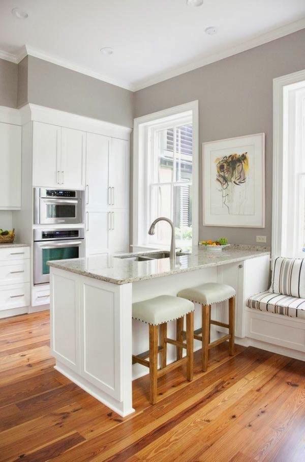weißer-Kücheninsel-Küche-mit-einem-modernen-Design