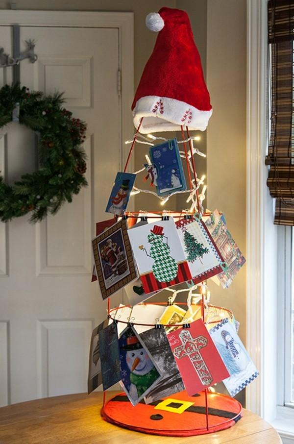 weihnachtsgeschenke-basteln-interessanter-tannenbaum-aus-weihnachtskarten