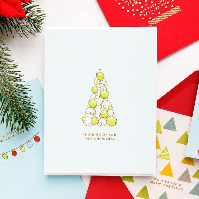 DIY Weihnachtskarte, Christbaum aus goldenen Kreisen und grünen Perlen