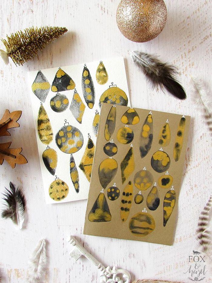 Weihnachtskarten selber machen, mit Christbaumkugeln in gelben Farbnuancen