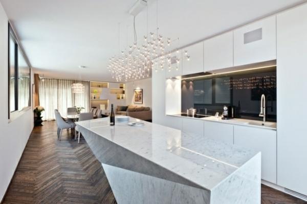 wohnideen-küche-modern-weiß-hochglanz-marmor-kochinsel