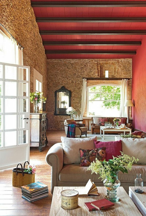 wohnzimmer-rustikal--rote-decke