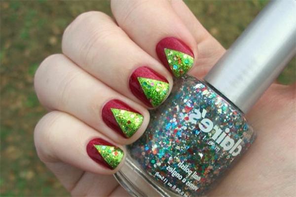 -wunderbar-originell-verzierte-Nägel-Weihnachtsnägel-mit-grünen-Tannenbäumen-