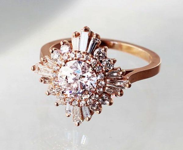wunderbarer-Verlobungsring-mit-Steinen-