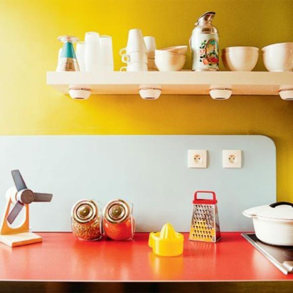 wunderschöne-küche-in-gelber-farbe