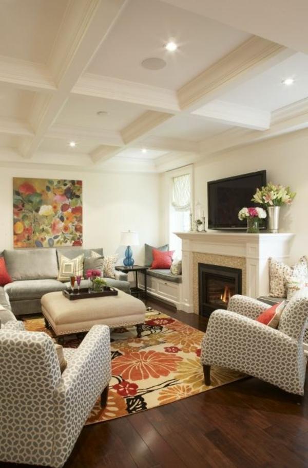 wunderschöne-moderne-Eierschalenfarben-für-das-Wohnzimmer-bunter-Teppich