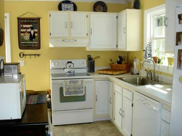 wunderschöne-moderne-gelbe-küchen-wandfarbe