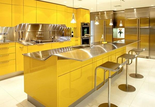 wunderschöne-moderne-küche-in-gelb