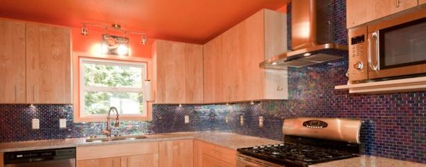 wunderschöne-orange-küchen-wandfarbe
