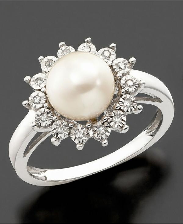 wunderschöner-Verlobungsring-Perle