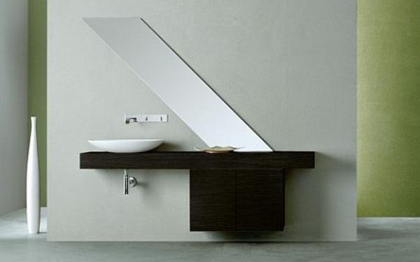 wunderschönes-design-vom-spiegel-im-badezimmer