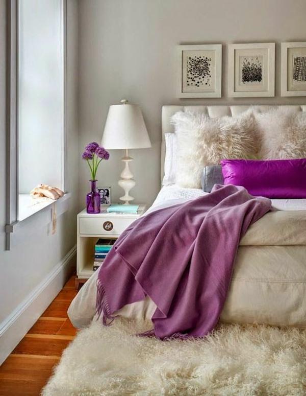 zimmer-einrichtungsideen-bilder-an-der-wand-im-hellen-schlafzimmer