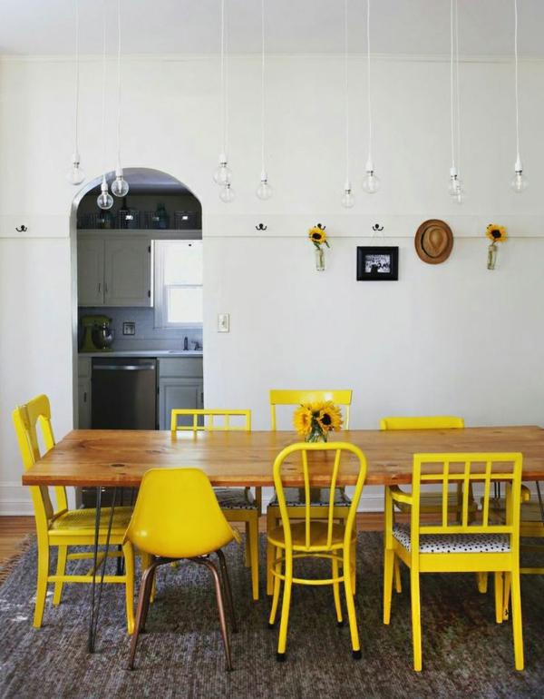 zimmer-einrichtungsideen-esszimmer-mit-gelben-stühlen